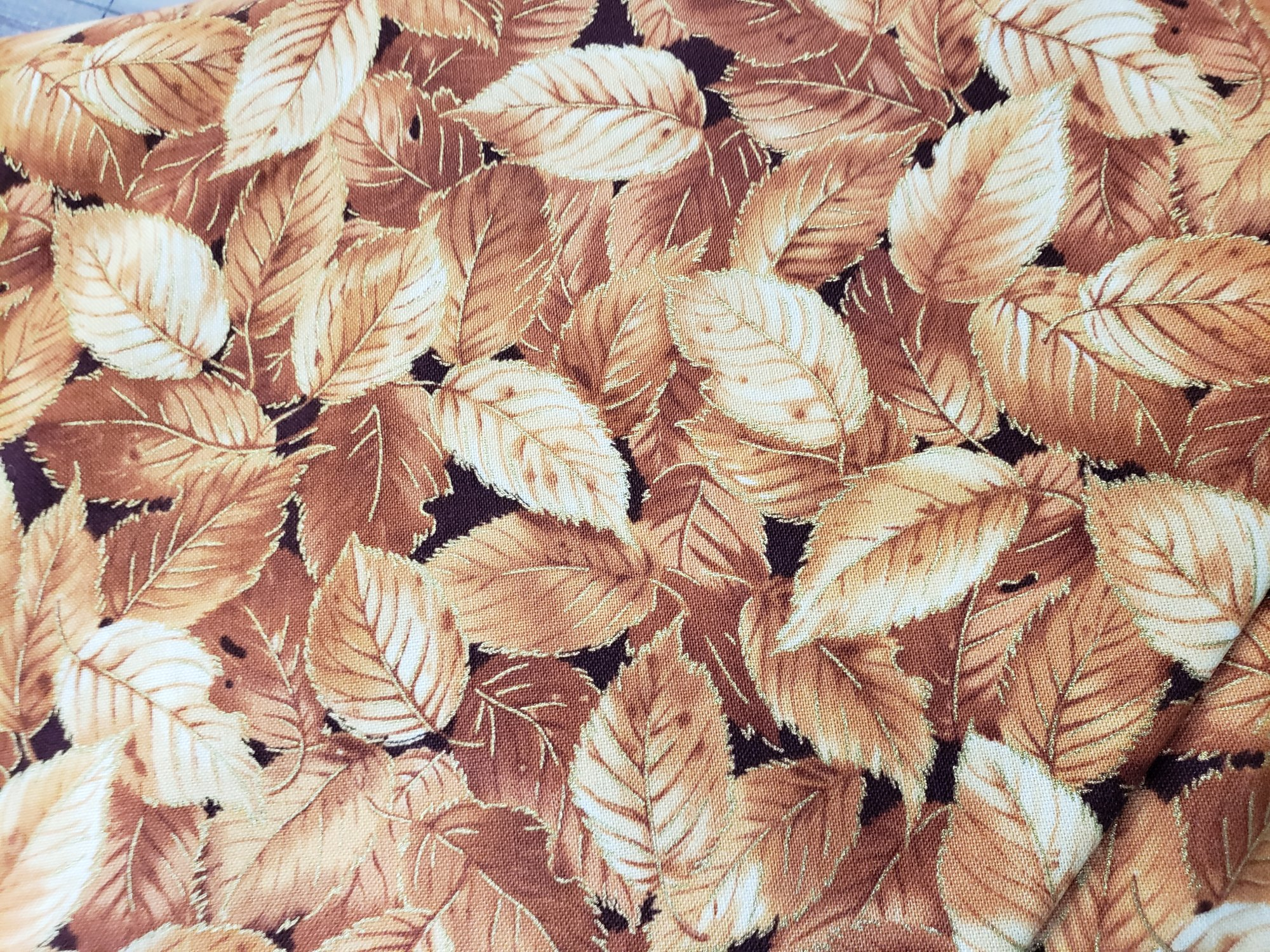 Fabri-Quilt Fall Spectular Gold Elem. Leaves