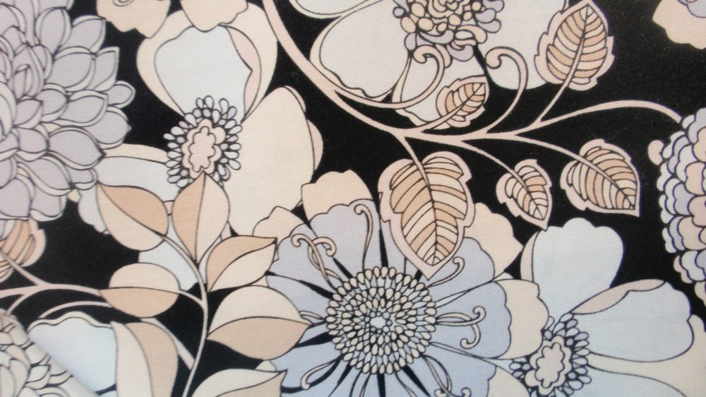 Exclusively Quilters Shades of Grey Black w/ Beige Floral