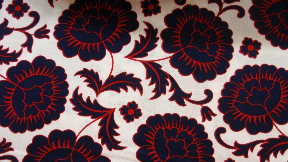 Benartex White w/ Navy & Red Flowers
