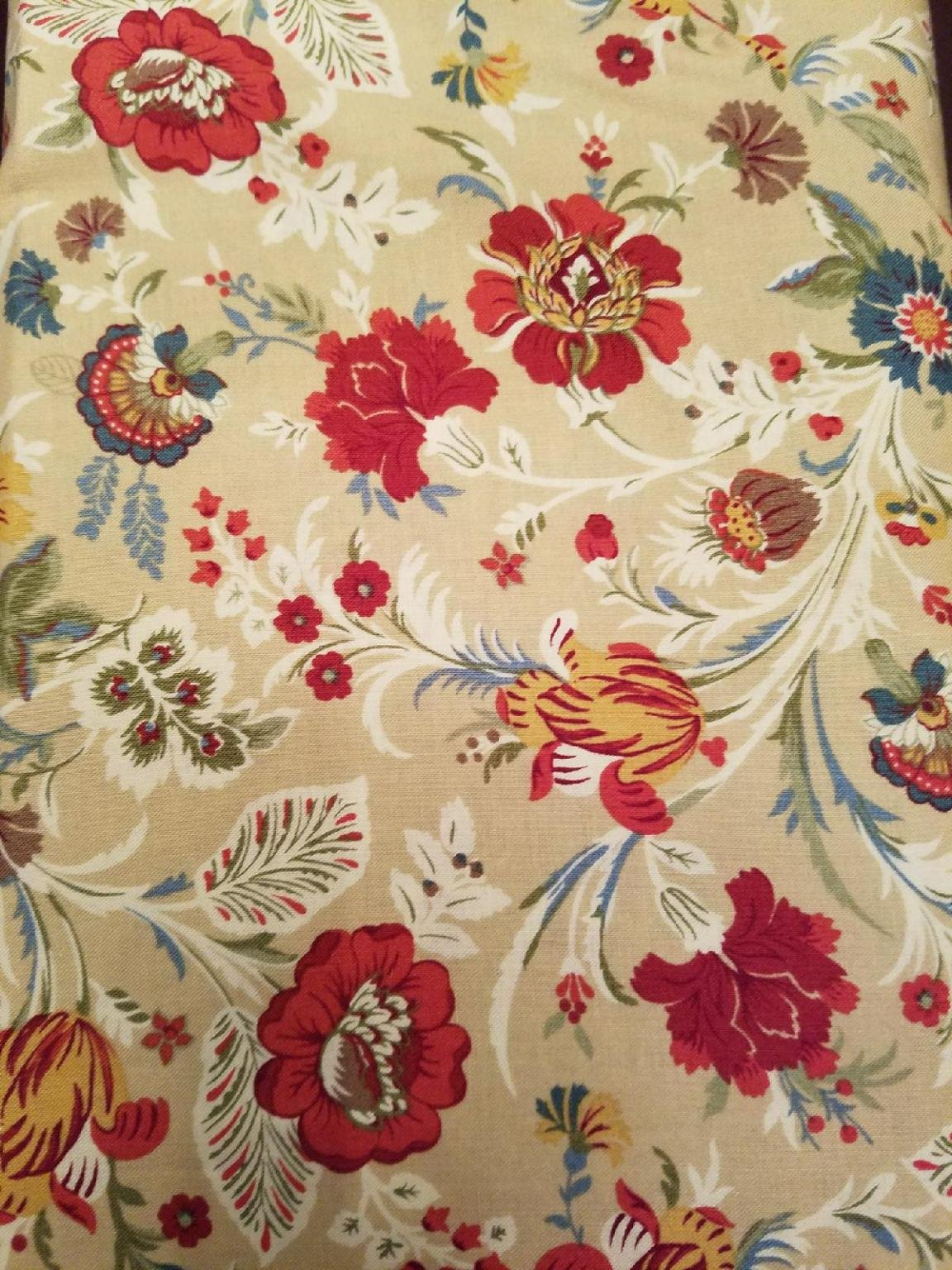 Marcus Fabrics Deco Demure All over Floral on Cream background