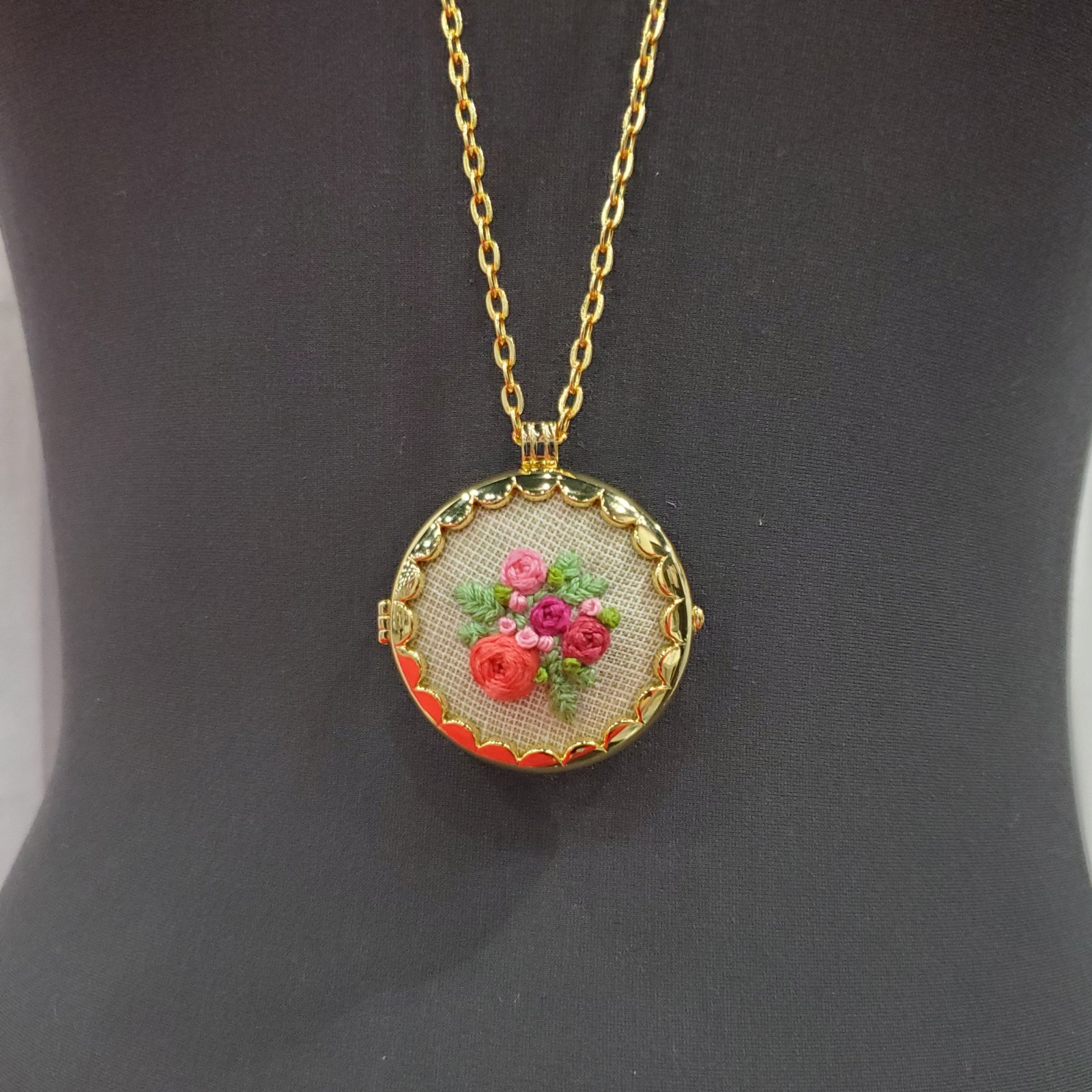 Fabric Locket Necklace Gold