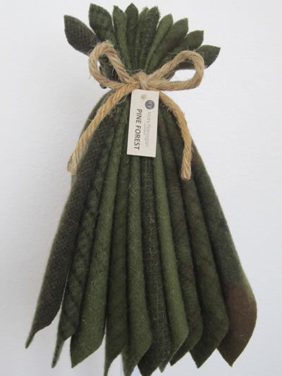 Mary Flanigan Wool Bundle - 5 1/2 x 4 1/2 - Pine Forest
