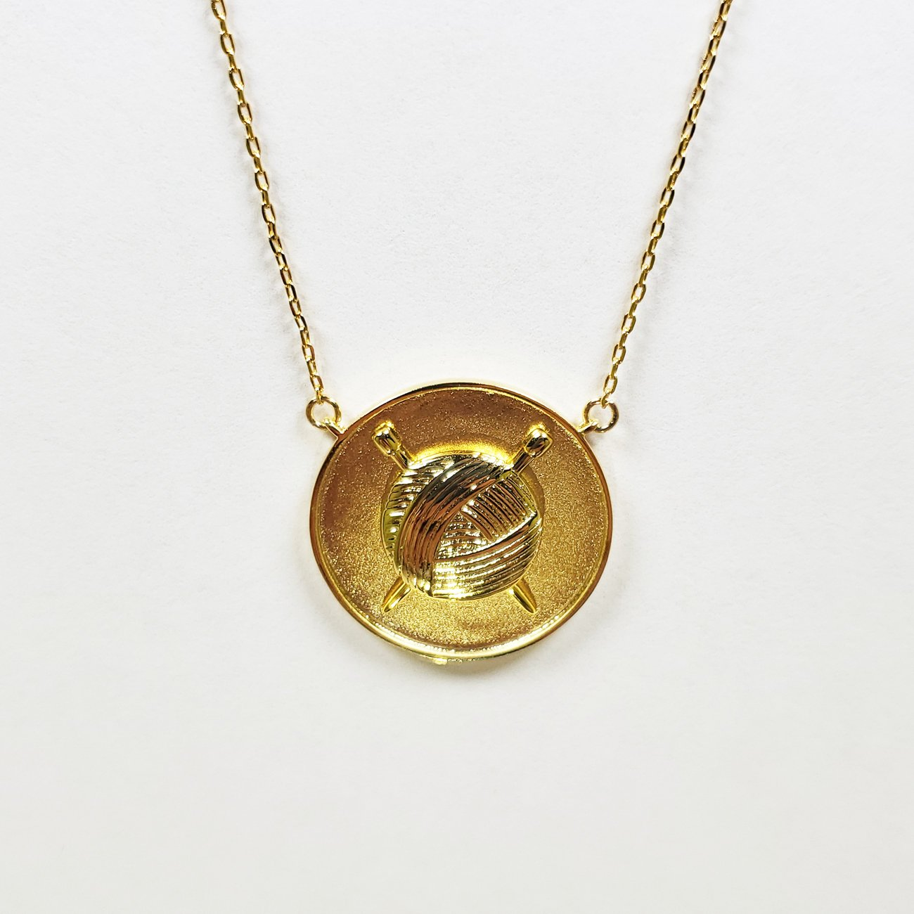Knit Coin Pendant Gold