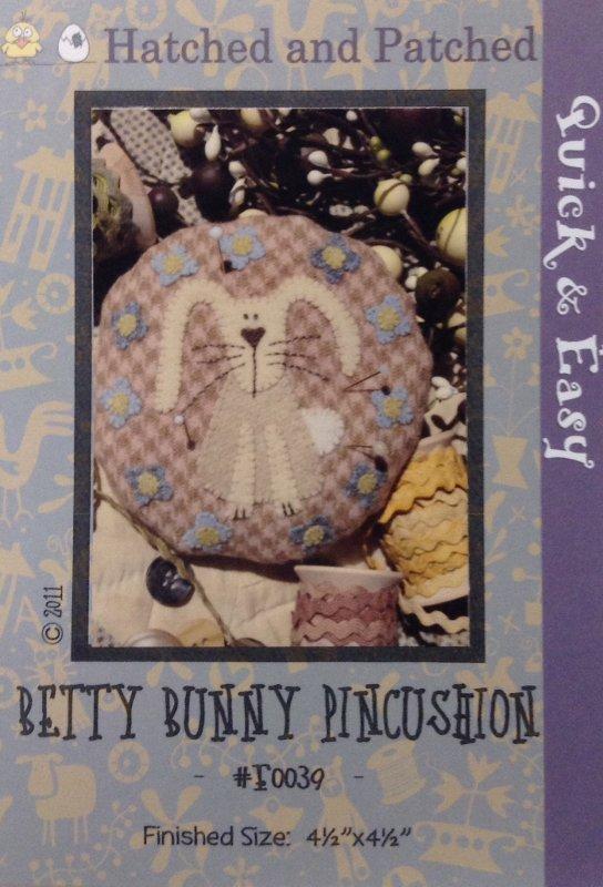 #F0039 Betty Bunny Pincusion
