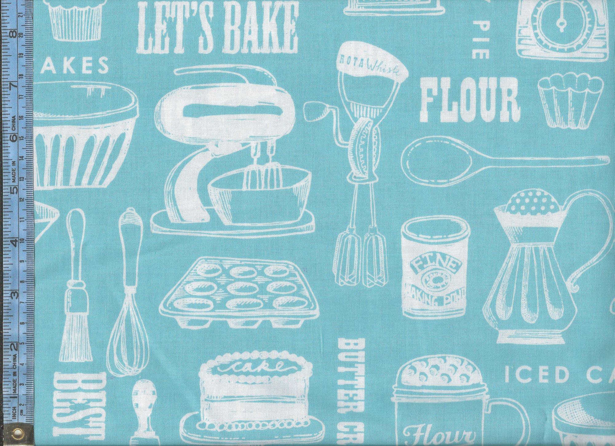 Butter Cream - white kitchen utensils on turquoise background - 1016055