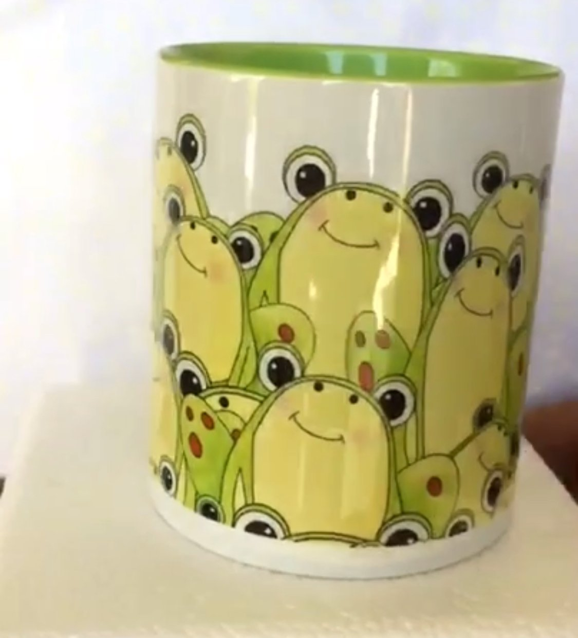 It's a Pond Party Coffee Cup-Frogs!- ( QA-02)
