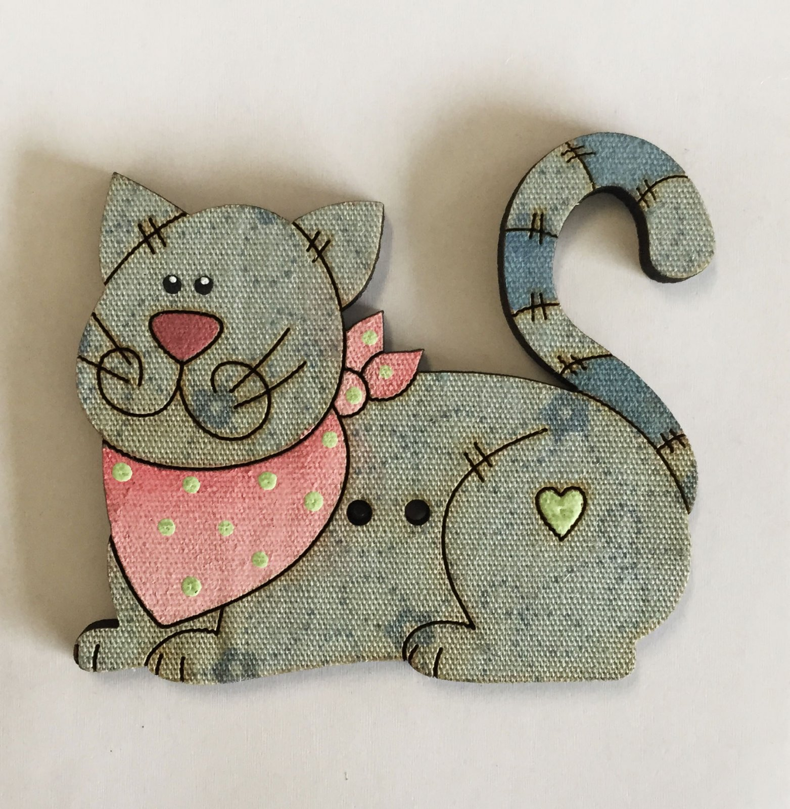 Large blue Kitty laying down Button   (BP-01C2)