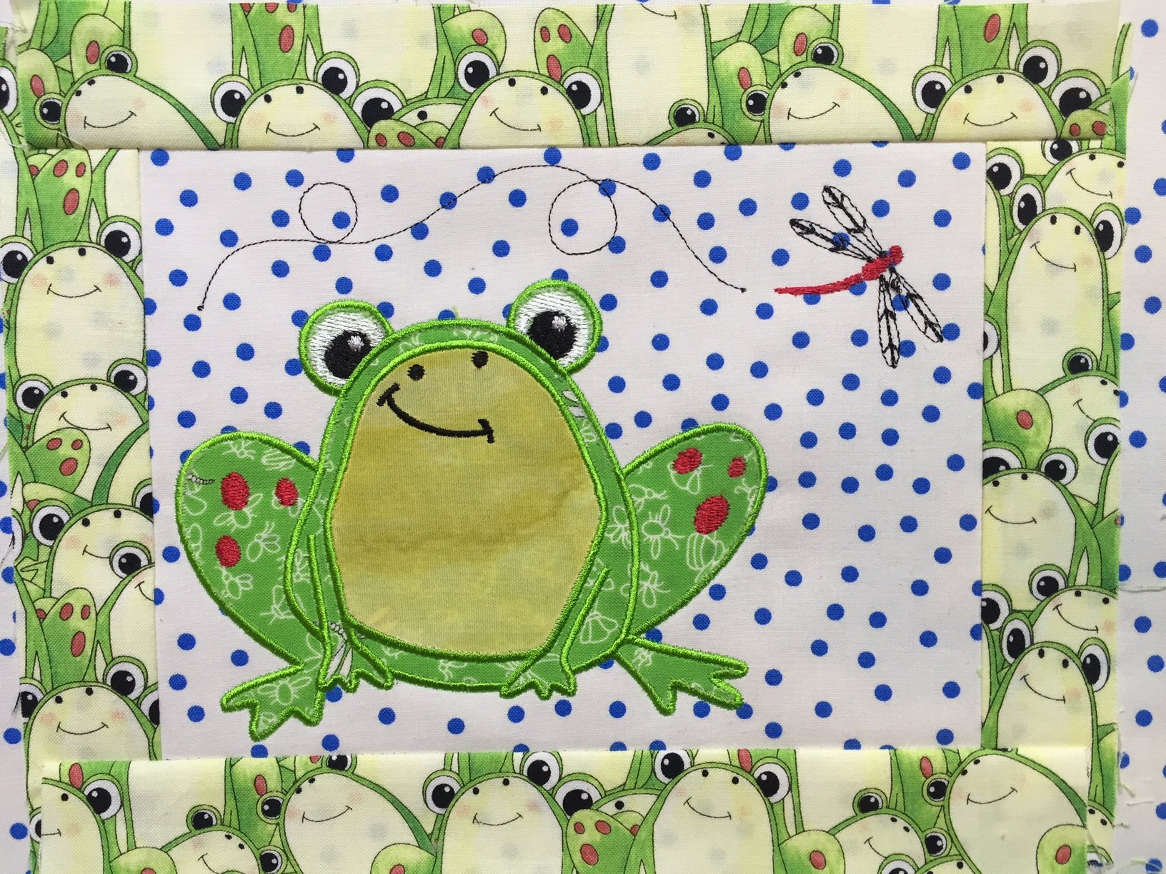 Tasty Tidbits Frog Mug Rug Embroidery CD