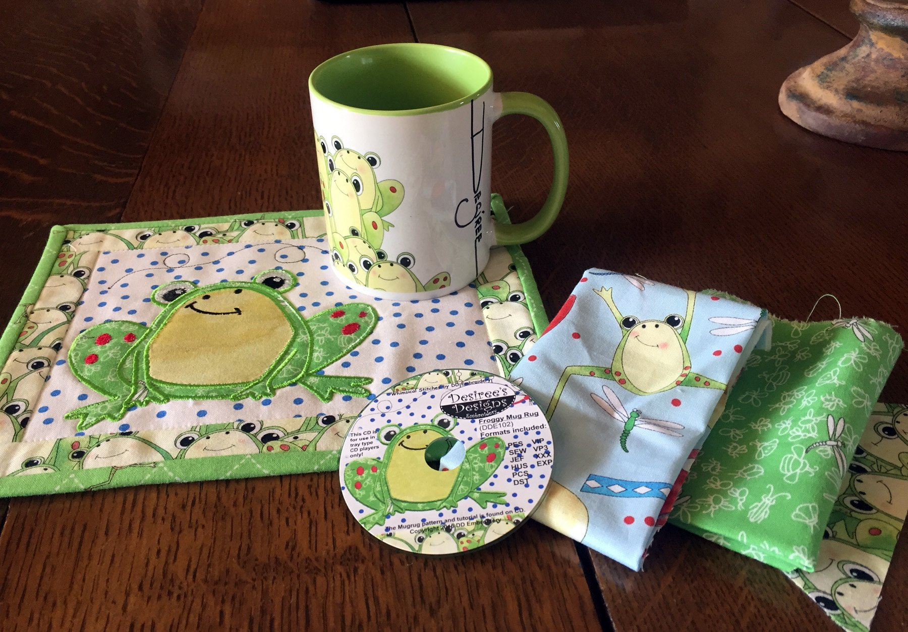 Limited Edition Tasty Tidbits Frog Mug Rug Embroidery CD with matching Coffee Mug Kit