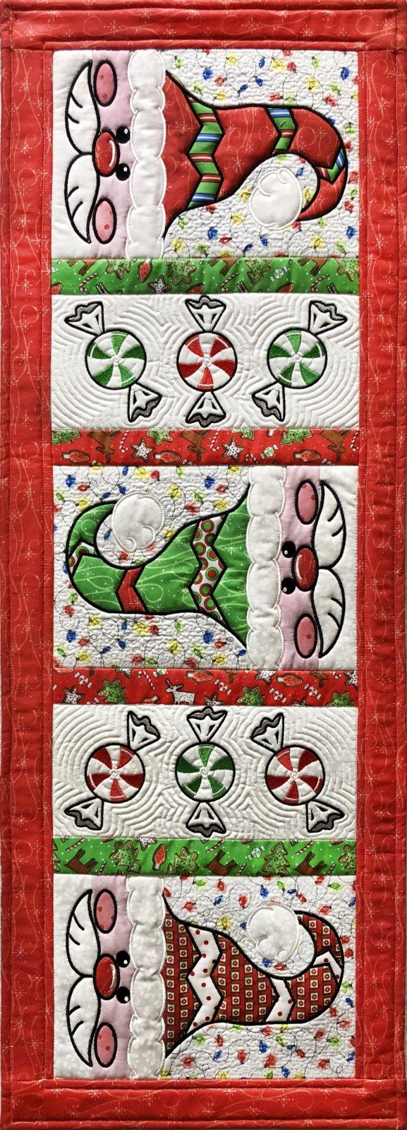 Peppermint Santa Table Runner Embroidery CD (GP-108-DDE)