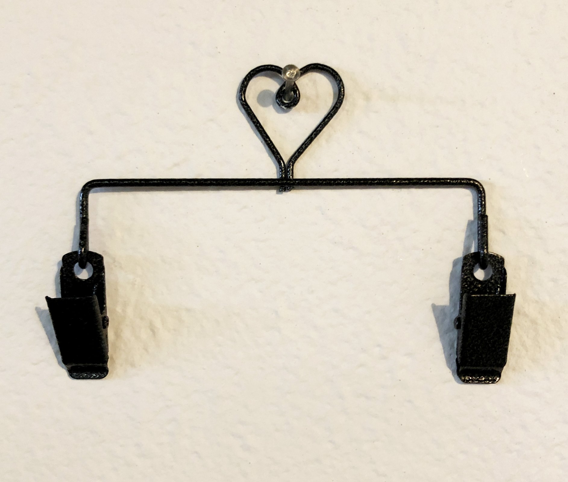 5 Heart Clip Hanger in Charcoal