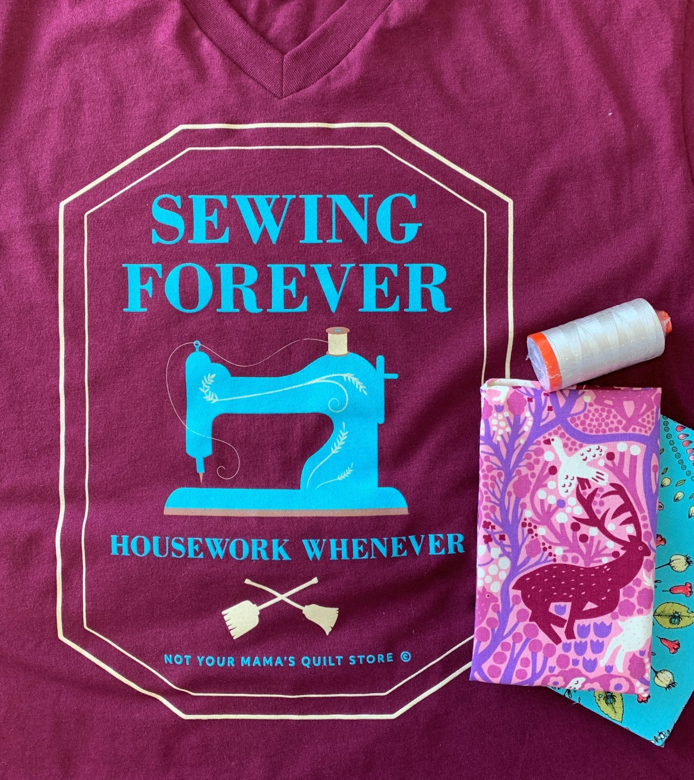 Sewing Forever T-shirt - Burgundy