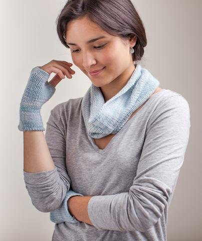 Stockinette-Stitch Cowl & Handwarmers by Churchmouse