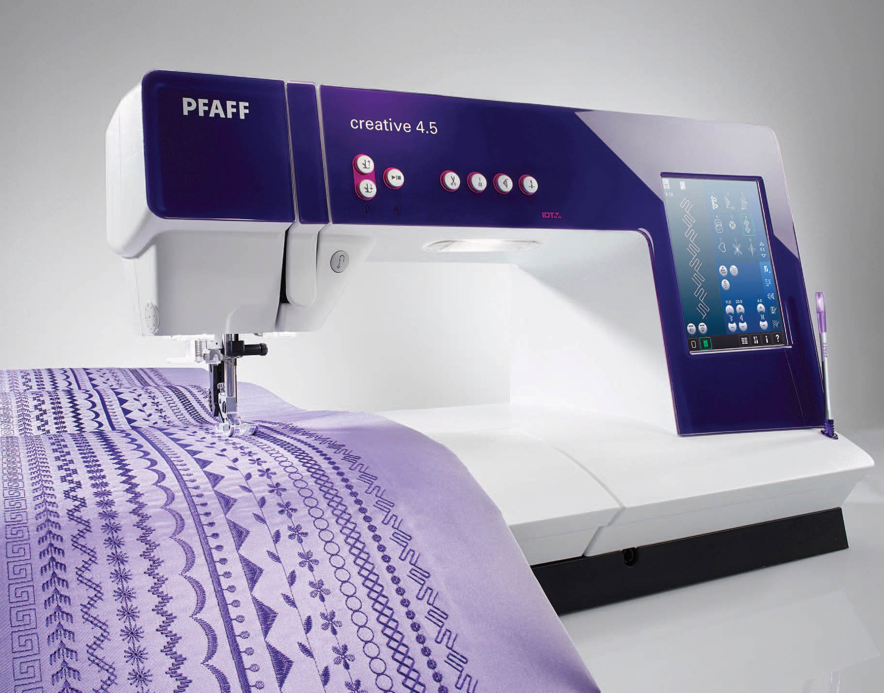 Pfaff Creative 4.5 without embroidery unit (Add emb unit separate #1095)