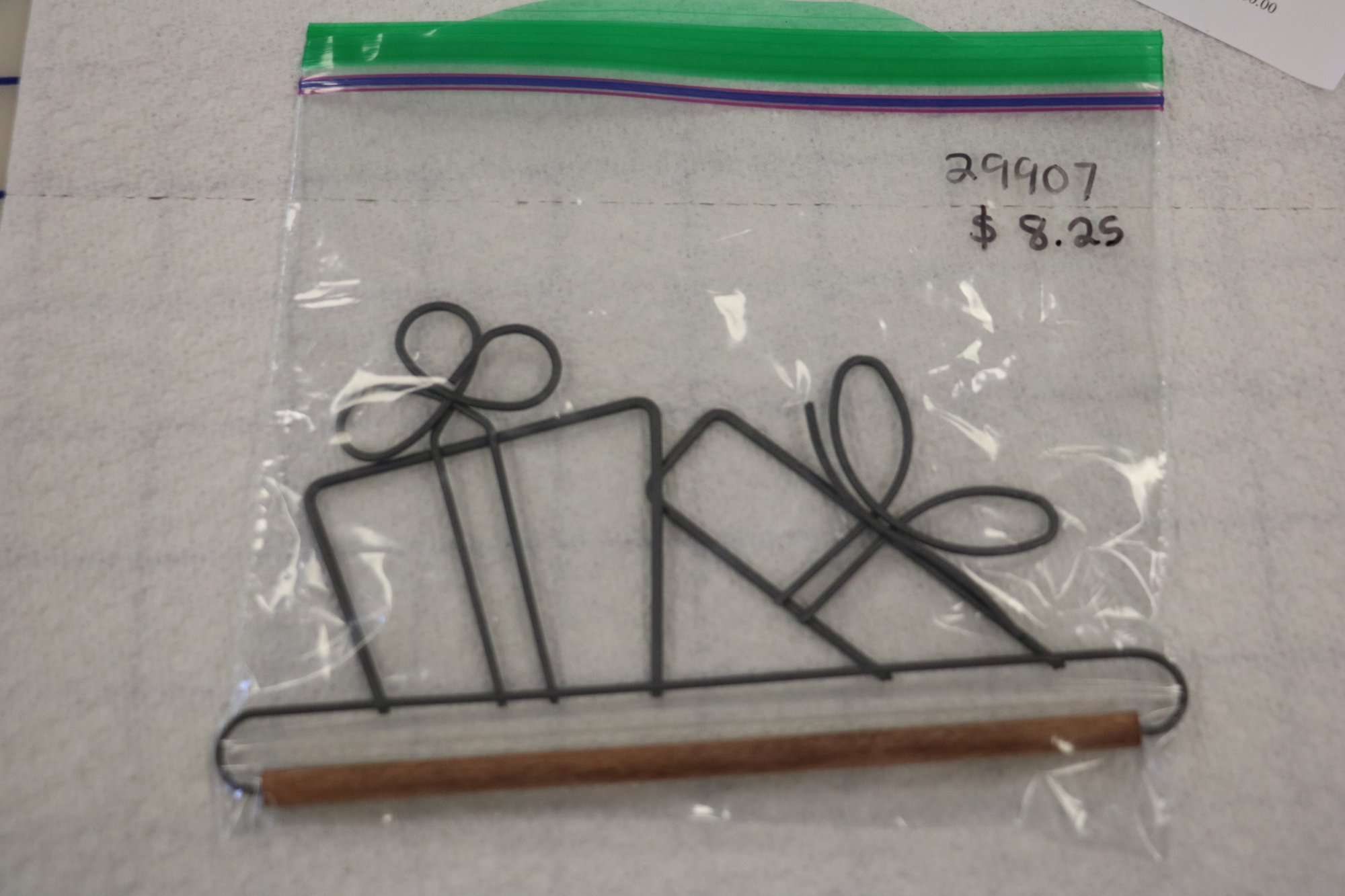29907 package hanger