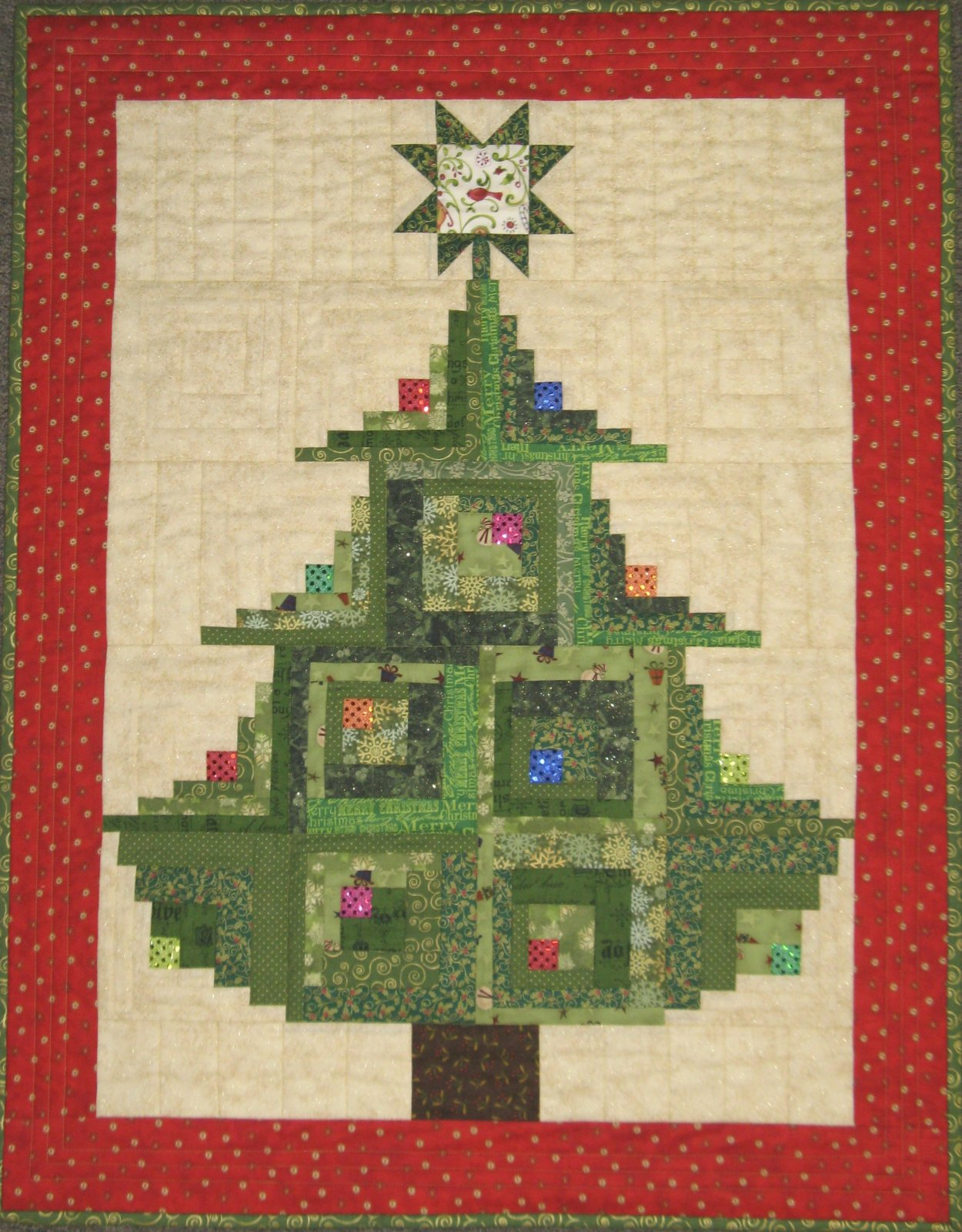 Log Cabin Christmas Tree Quilt.Curvy Log Cabin Christmas Tree