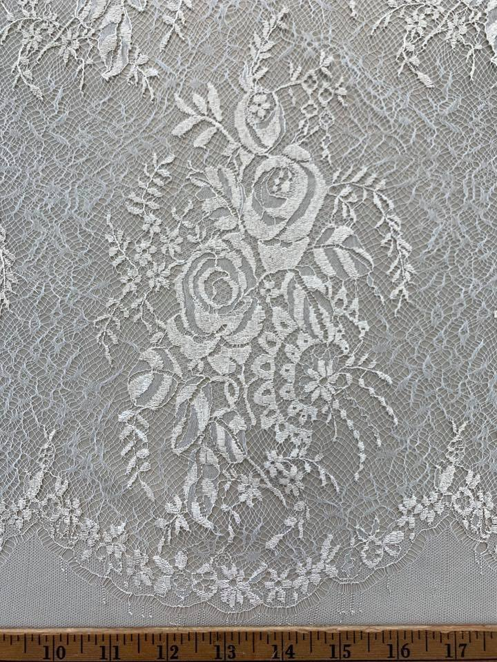 Rose Chantilly Lace in Raffia