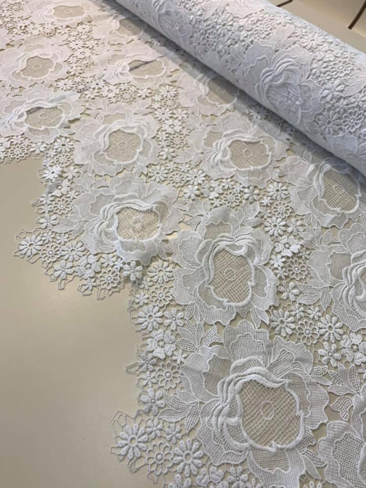 Modern Roses Venetian Lace in White