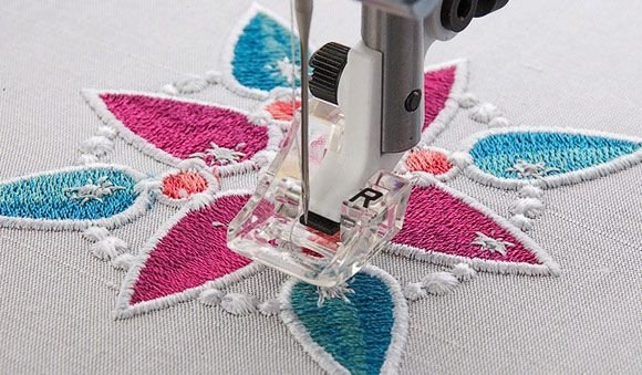 Inspira Embroidery Clear 'R' Foot