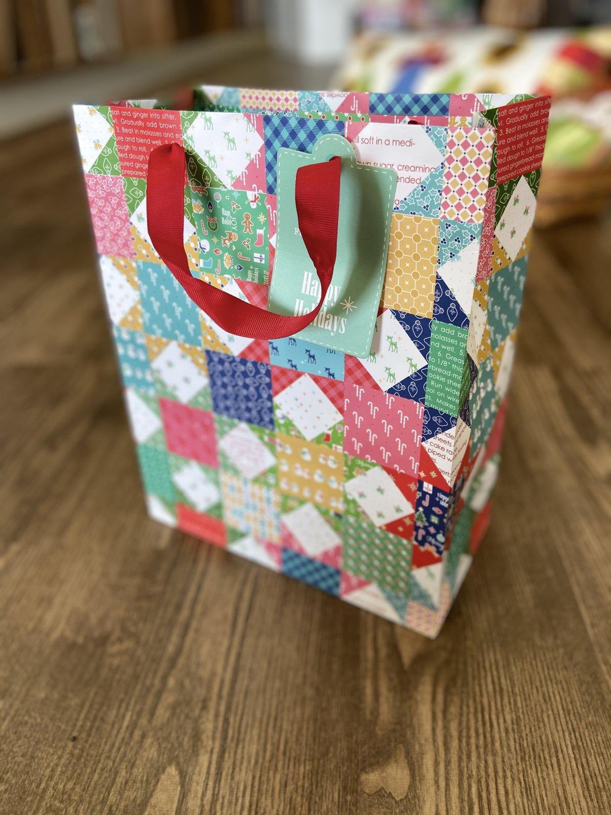 Lori Holt Gift Bag Christmas 12.5x10x5