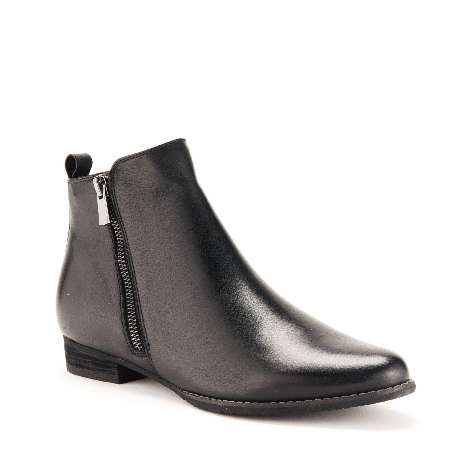 Blondo Lynne Ankle Boot