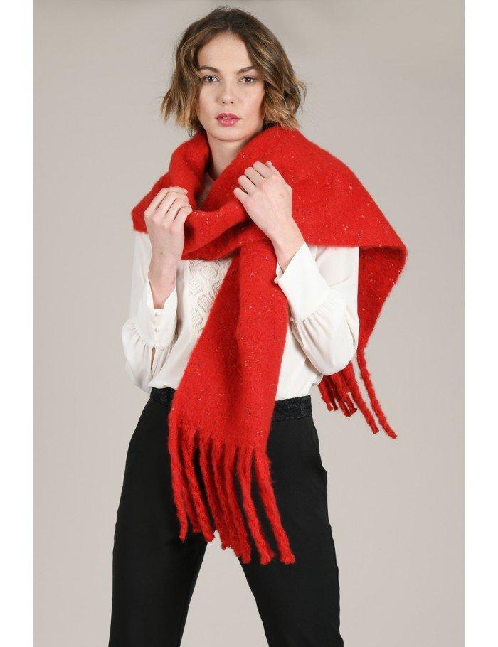 Molly Bracken Ladies knitted scarf