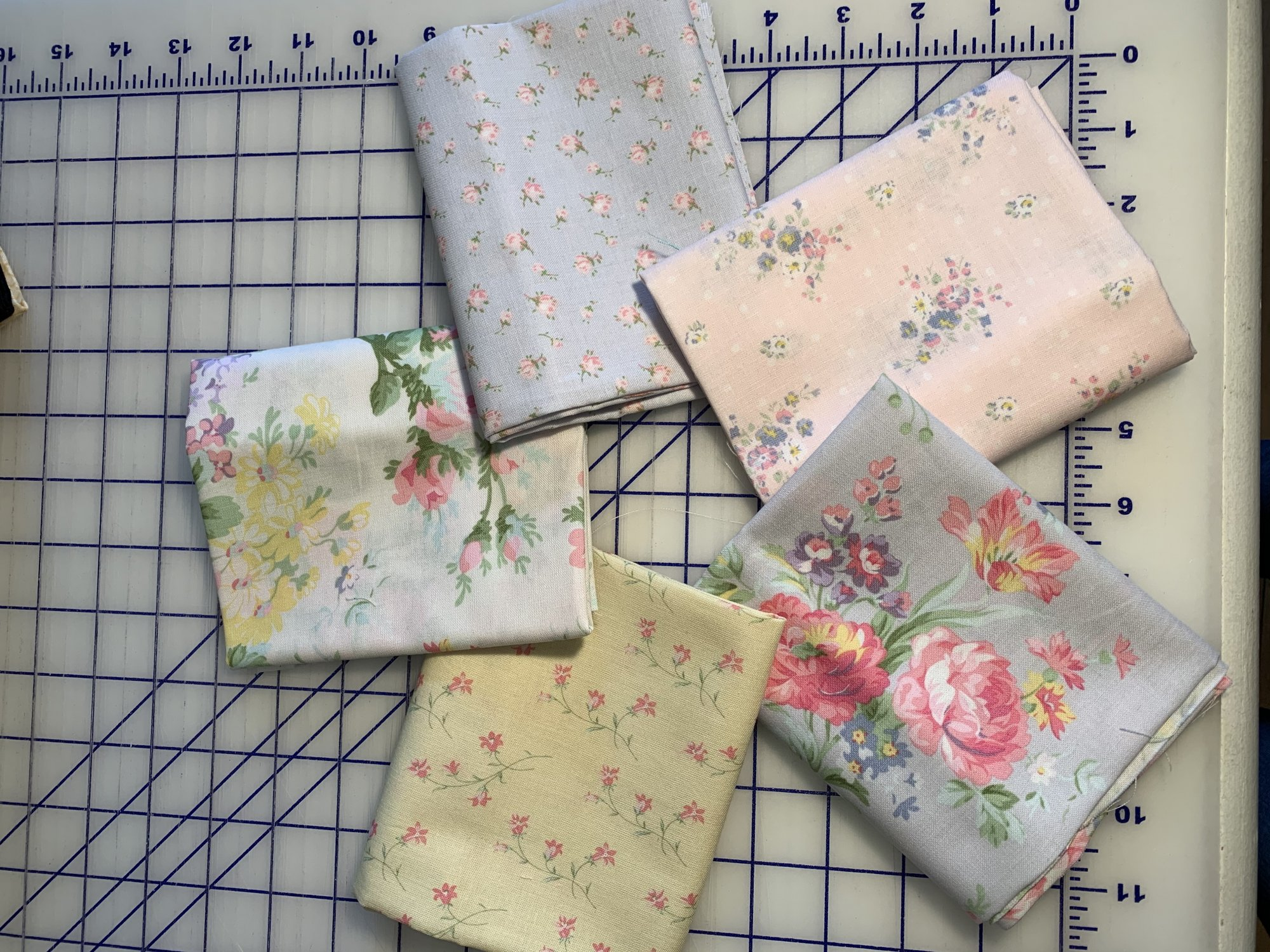 Roslyn 1/2 YD Bundle