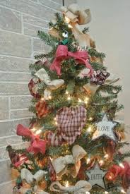 Primitive Christmas Tree.A Primitive Christmas Tree 899780001228