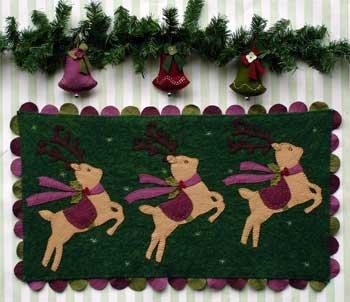 Reindeer Prancing Wool Felt Kit