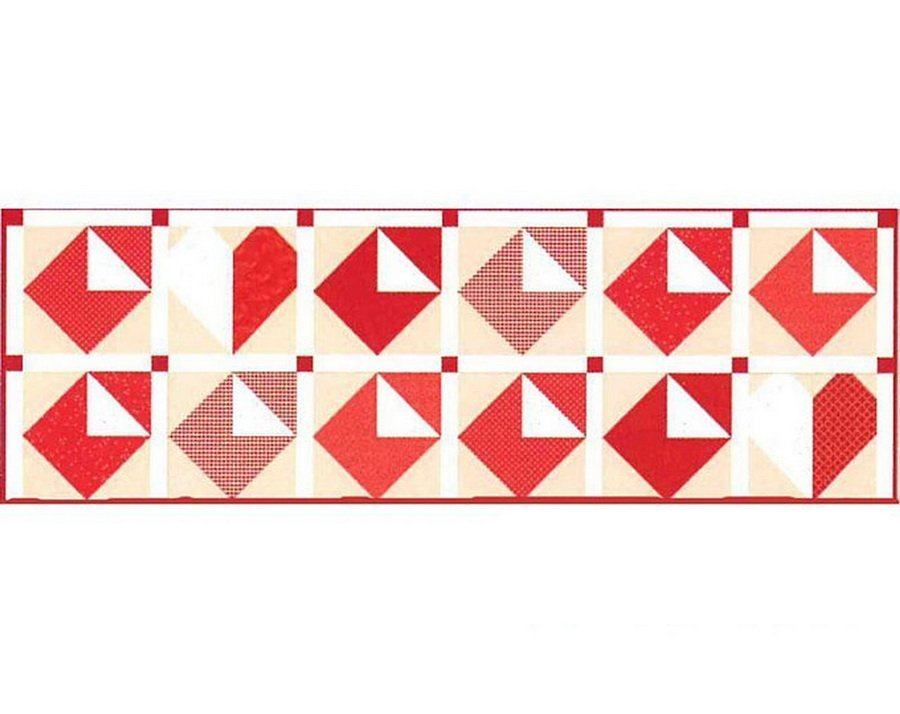Table Runner of the month Love Notes
