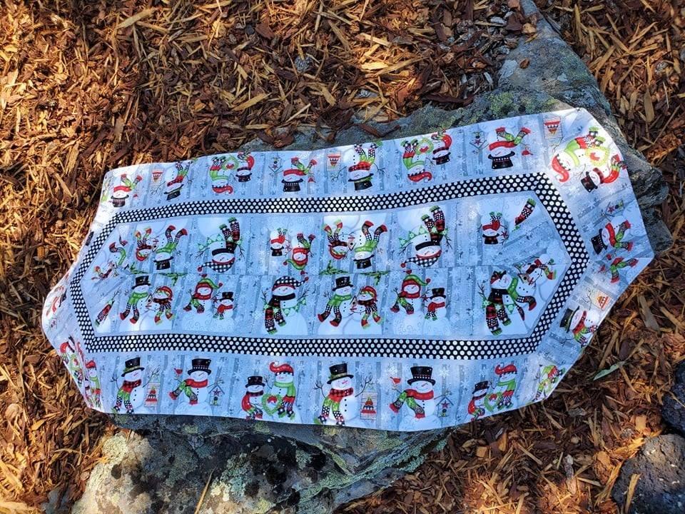 Easy Table Runner Kit--Snowman