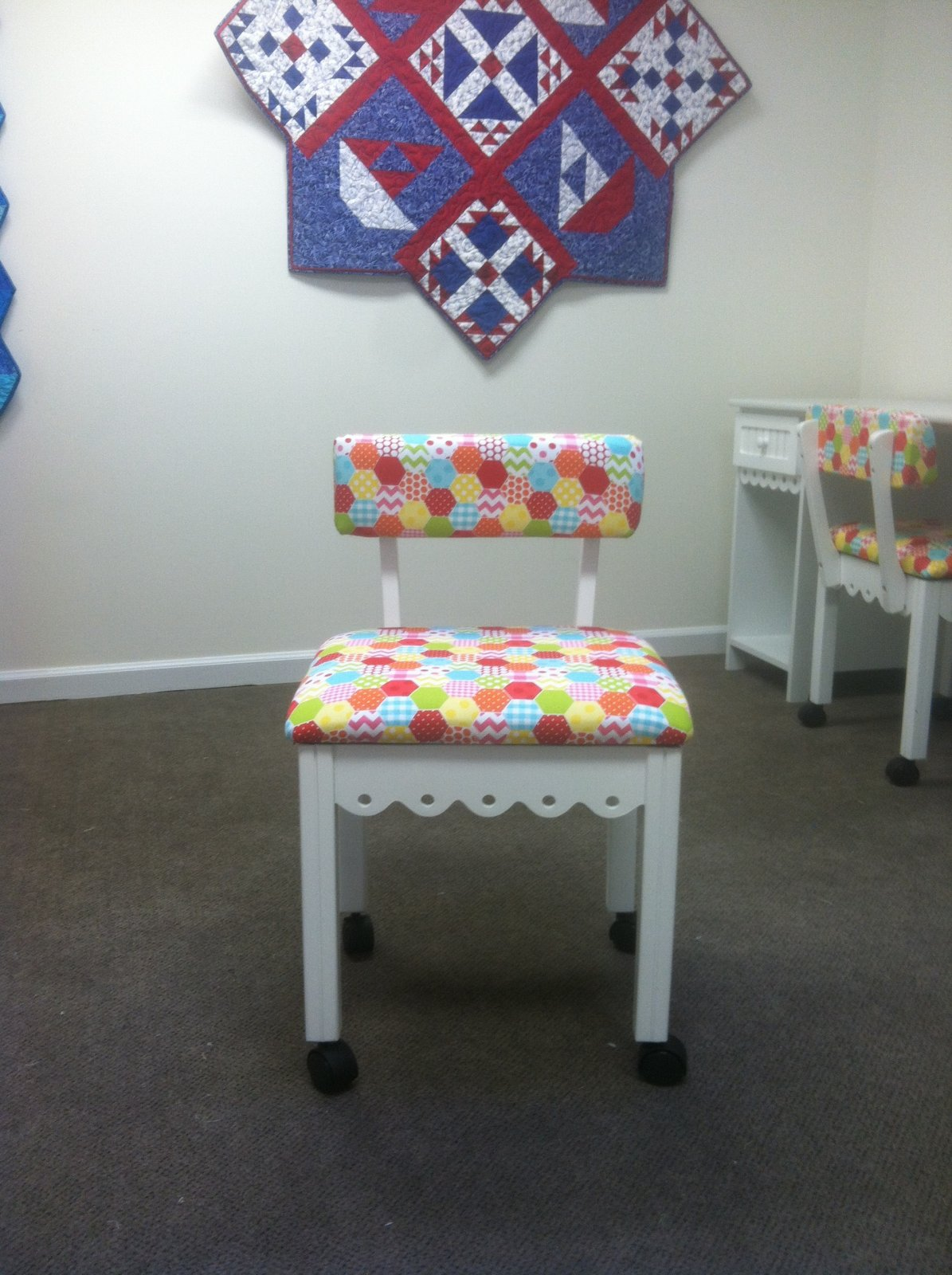 Super Arrow Sewing Chair White Theyellowbook Wood Chair Design Ideas Theyellowbookinfo