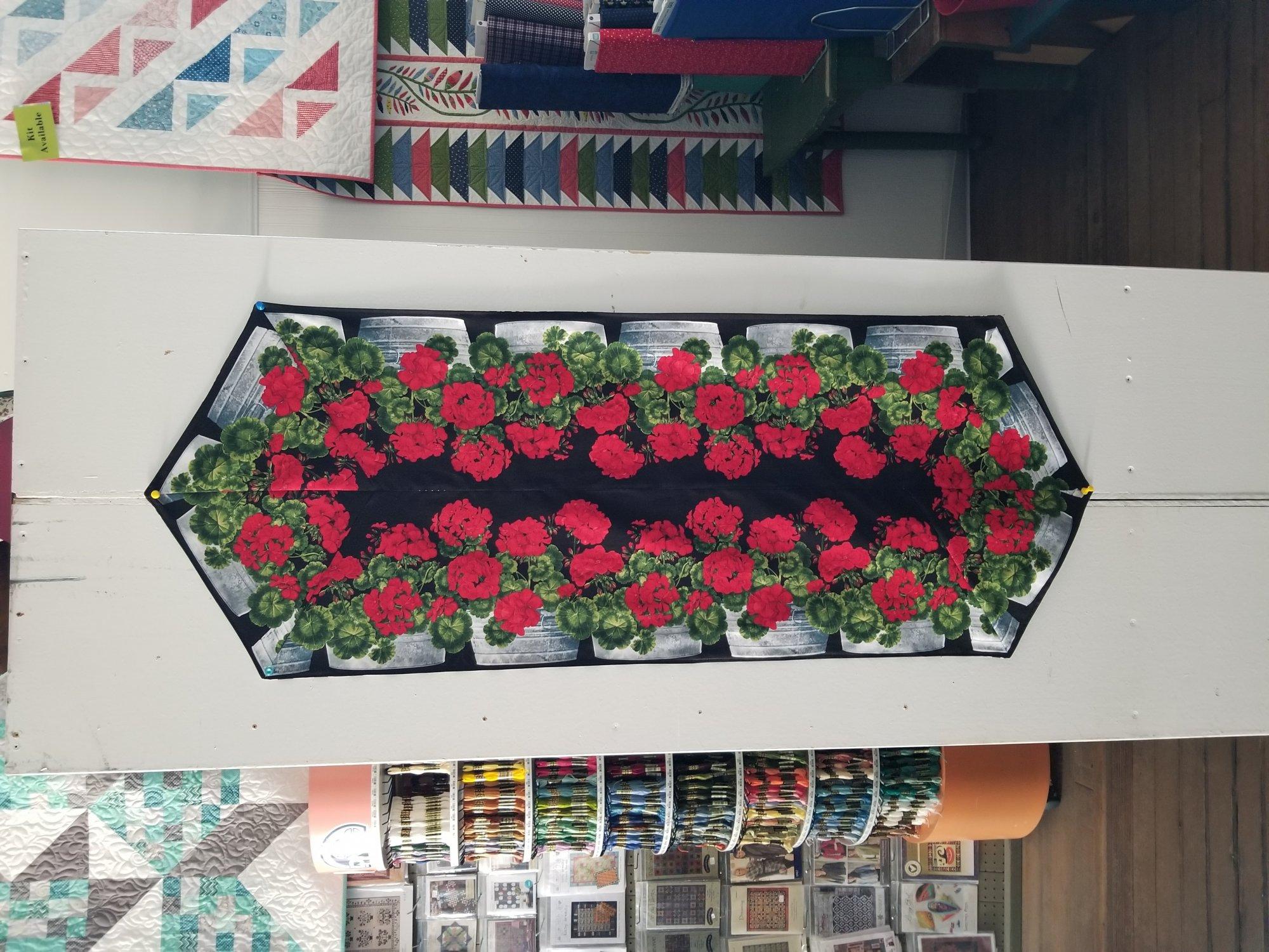 Easy Striped Geranium table runner Fabric kit