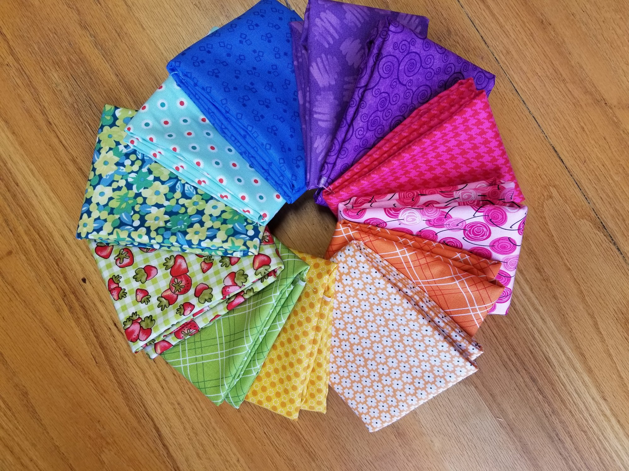 Fresh Picks: Scrappy Bright Dozen Fat Quarter