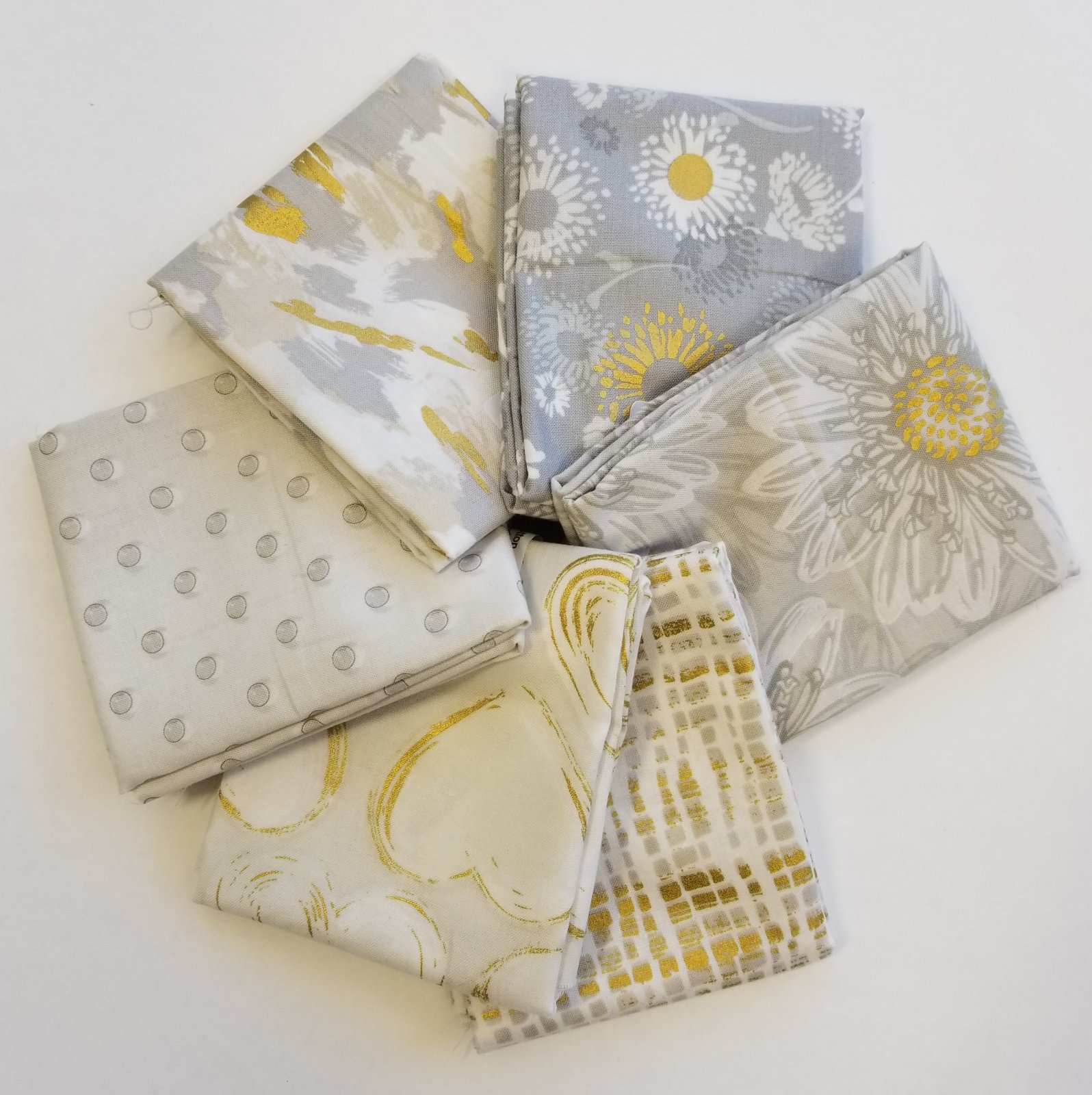 Shiny Objects Bundle of 6 Fat Quarters