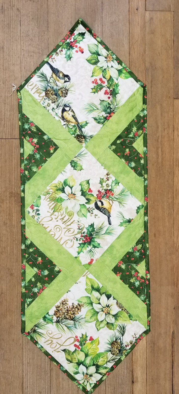 Christmas Poinsettia In the Middle Table Runner Kit