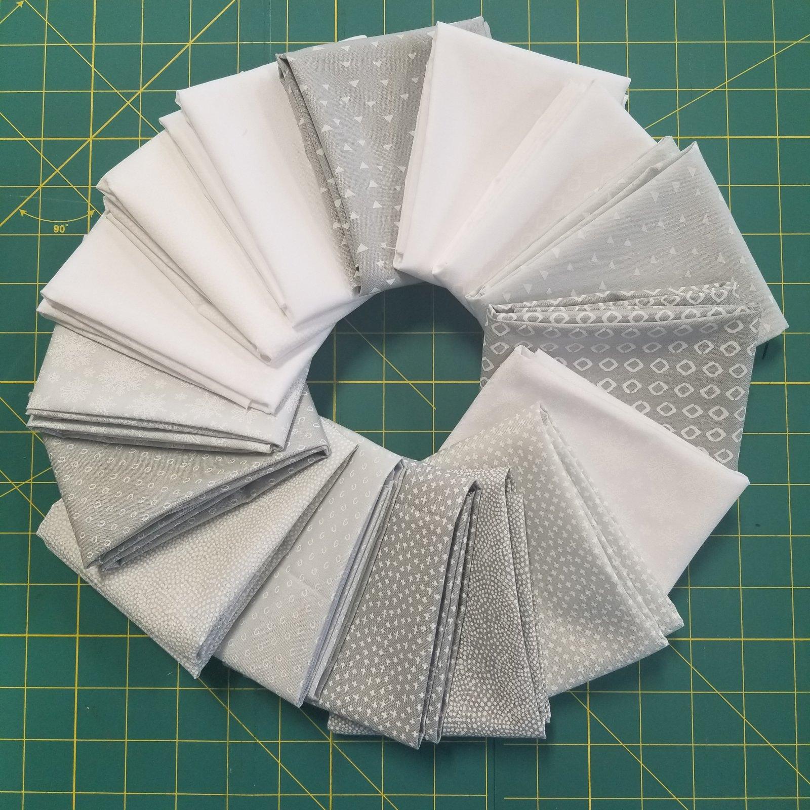 Simply White Bundle of 16 Fat Quarters