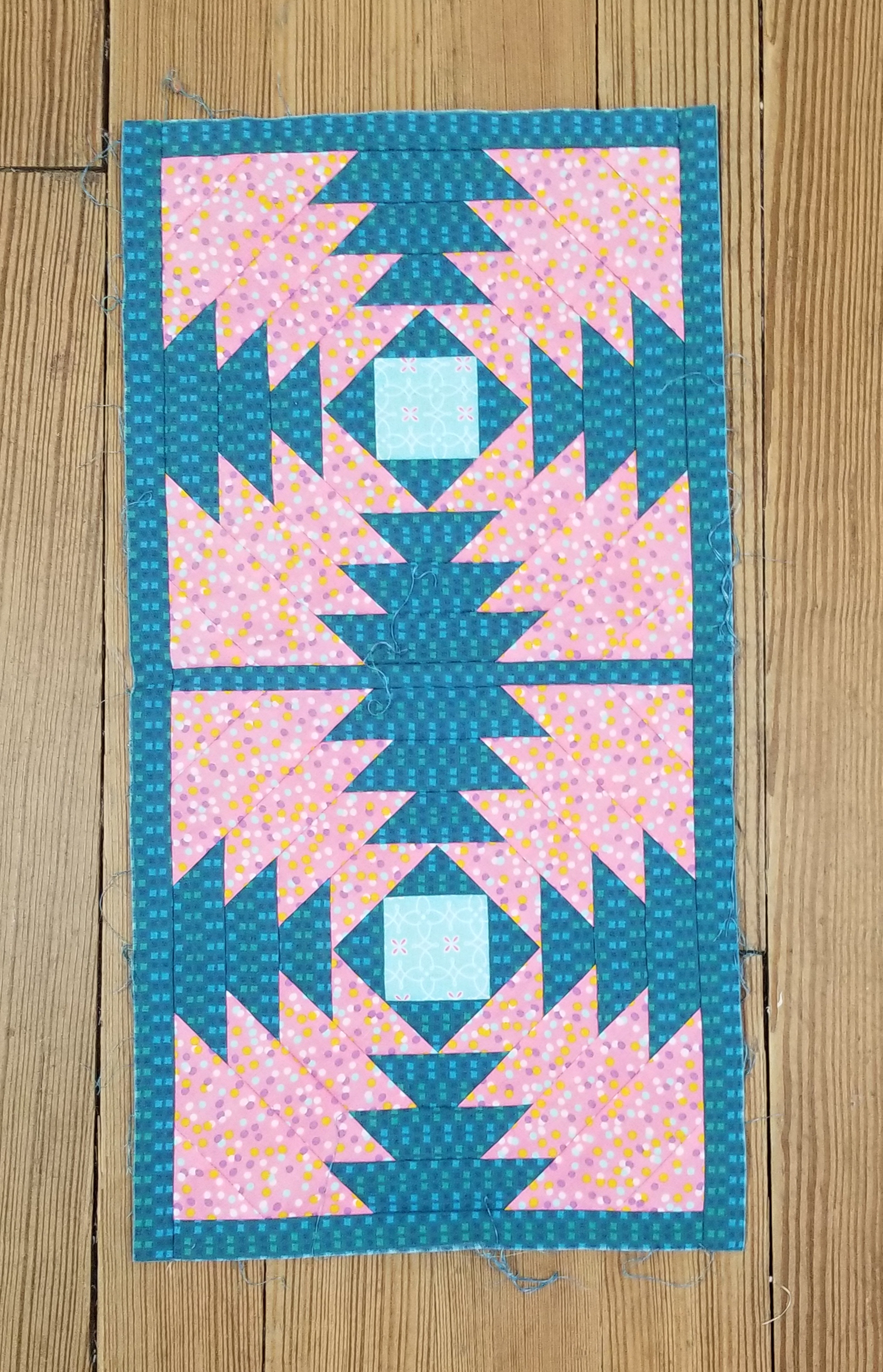 PINK AND BLUE PINNAPPLE BLOCK STORE SAMPLE