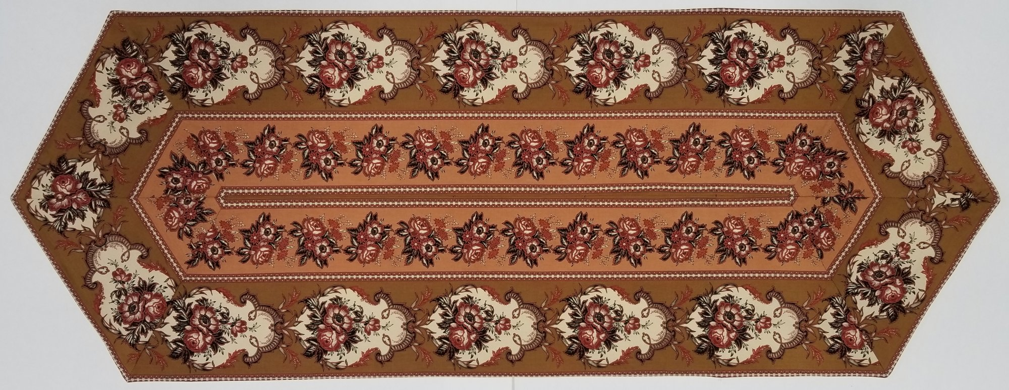 Easy Striped Brown Traditional Table Runner kit
