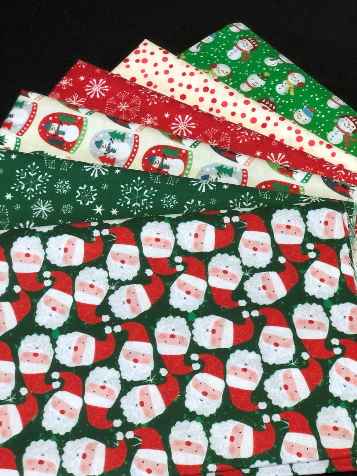 Christmas Miniatures Fat quarter bundle