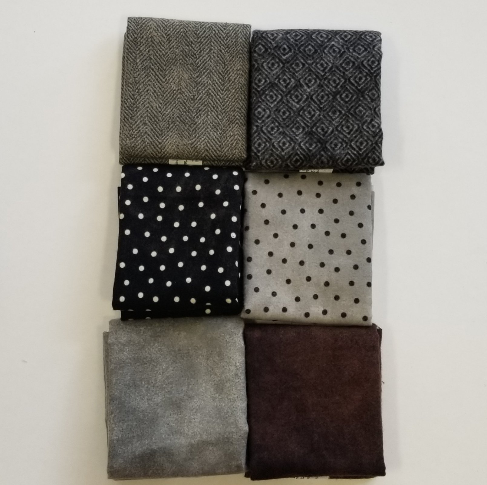 Woolies Flannel Black and Brown Bundle of 6 Fat Quarters