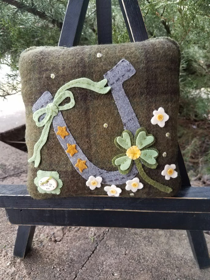 Rosebud's Cottage: Lucky Daze (March) Wool Pillow ) Downloadable Pattern