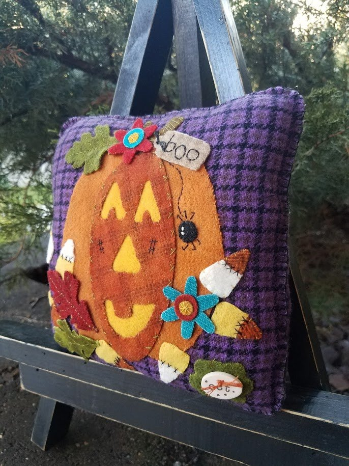 Rosebud's Cottage: Candy Corn Queen (October) Wool Pillow Downloadable Pattern