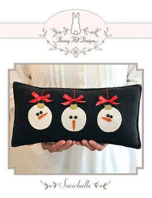 Snowballs, A Bunny HIll Petite Pattern