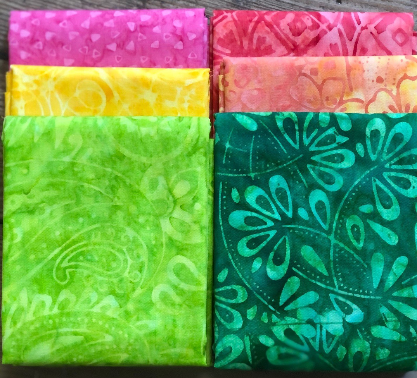 Batik Volunteers Bright Fat Quarter Bundle