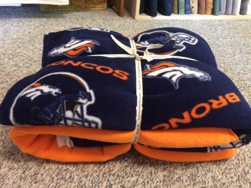 Cut Tie Fleece Blanket Kit