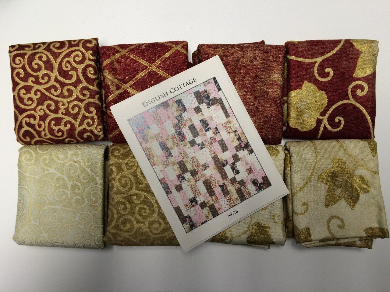English Cottage Quilt Kit-Red