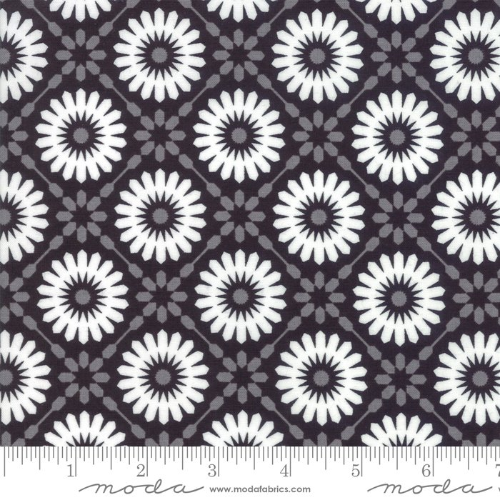 Midnight Magic - Mums in Midnight by April Rosenthal for Moda