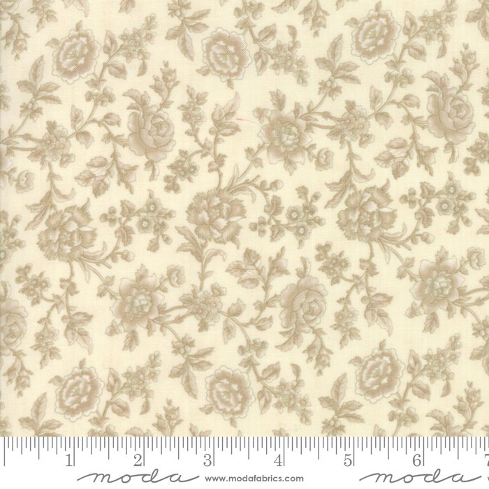 Cinnaberry - Bouquet in Vanilla by 3 Sisters for Moda