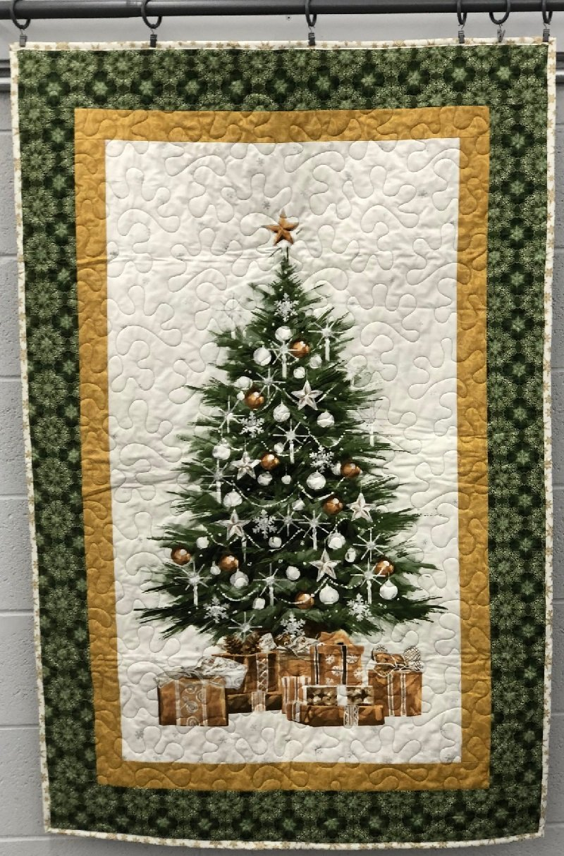 Quilt for Sale - Christmas Tree (34 x 52)